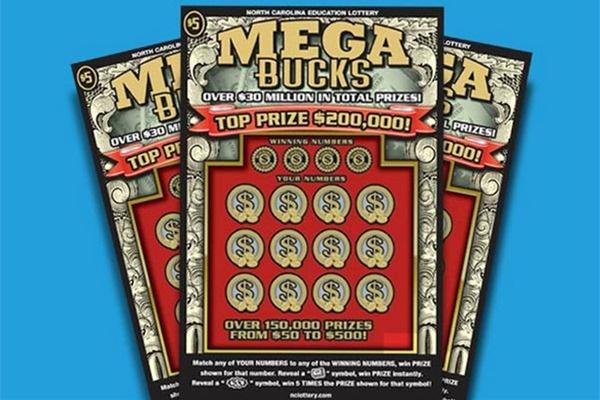 Homem sai para comprar macarrão e ganha na loteria nos EUA