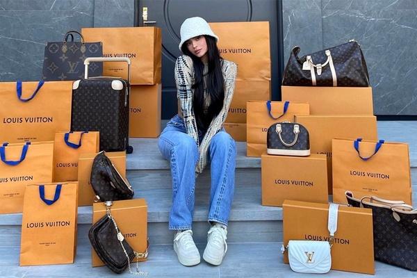 Kylie Jenner surpreende seguidores com sorteio de USD$ 80 mil