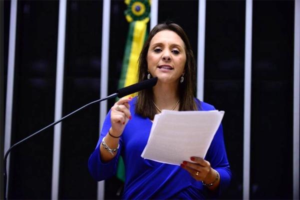 Renata Abreu dá parecer favorável ao PL 5638/2020, que retira 3% da premiação de todas as loterias