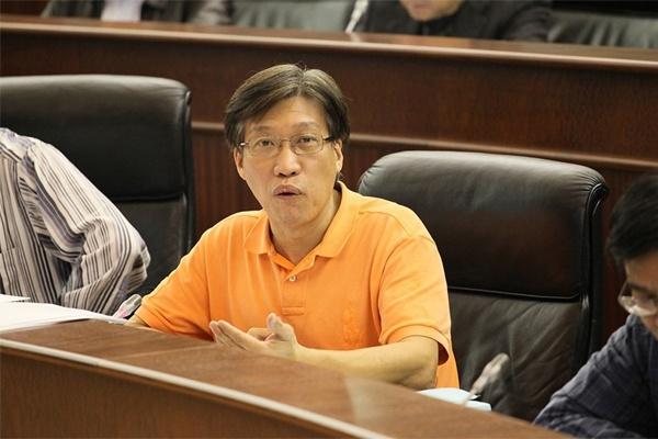 """Parlamentar alerta que """"era dourada"""" do setor do jogo em Macau pode ter os dias contados"""