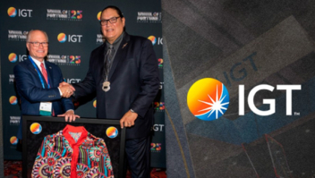 IGT celebra o 25º aniversário da slot 'Wheel of Fortune' com apresentação para o presidente da NIGA