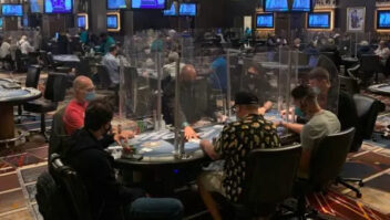 Funcionários dos cassinos de Las Vegas são forçados a usar máscaras novamente